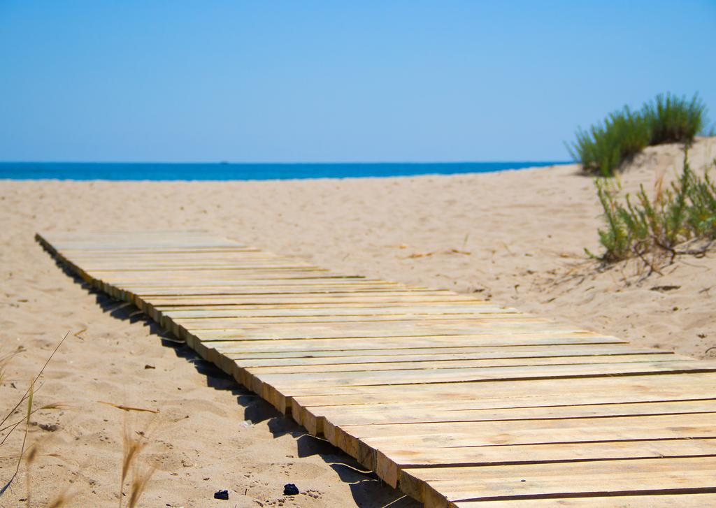 Выход к пляжу возле «Promenad II»