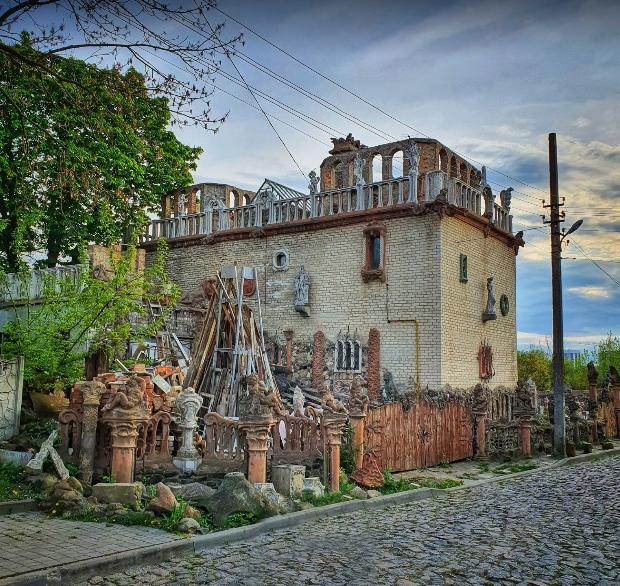 Будинок-майстерня Голованя