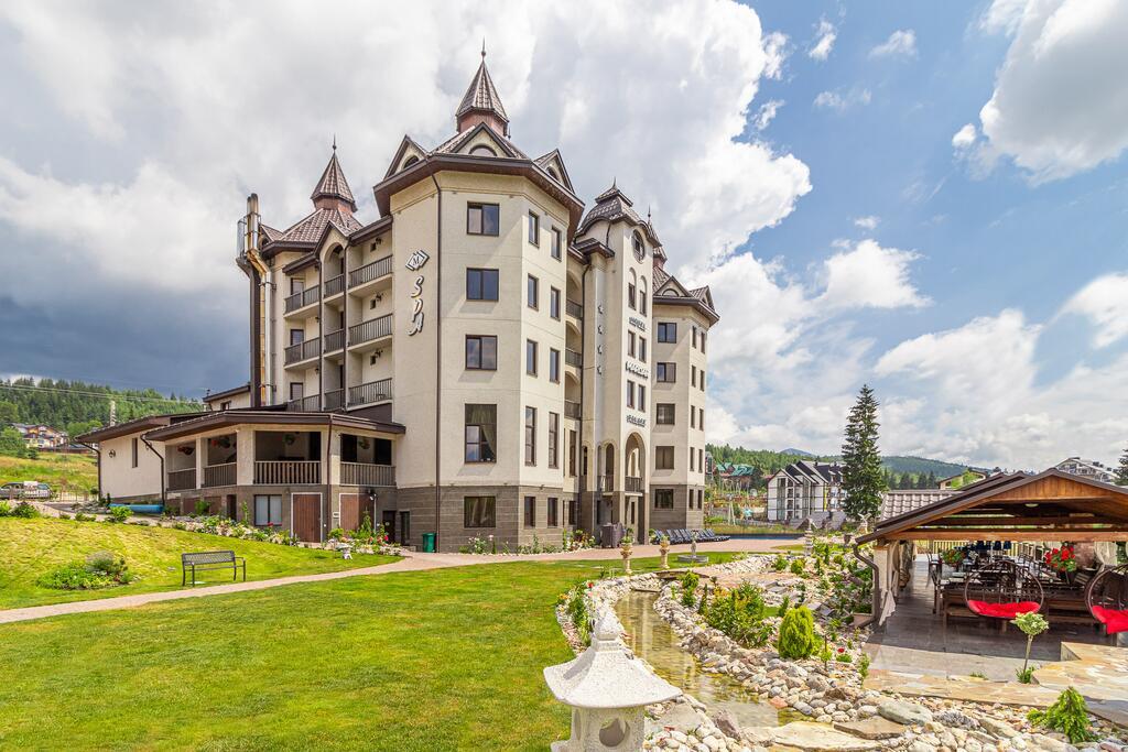 Вид на отель «Mardan Palace», Буковель