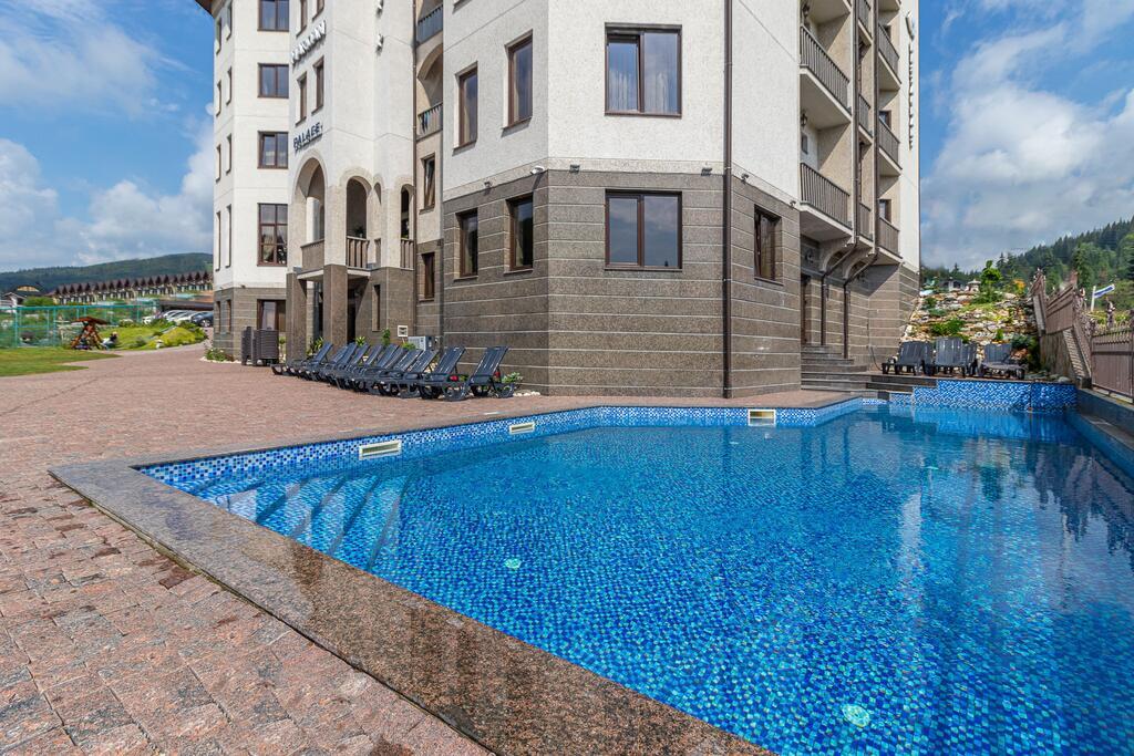 «Mardan Palace», Bukovel, летний бассейн