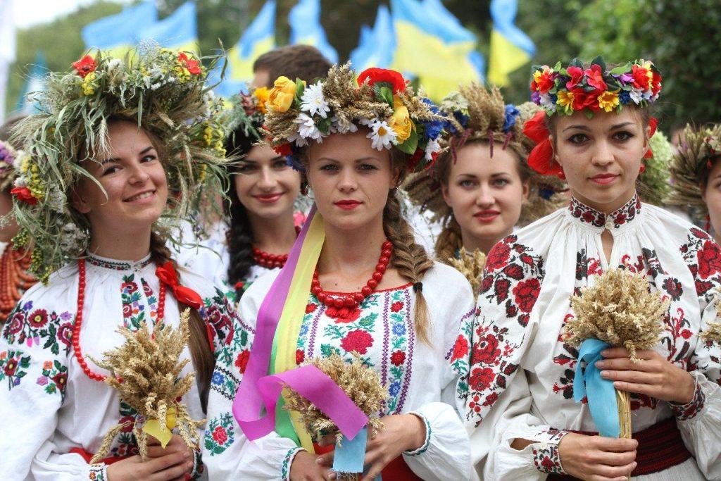парад вишиванок