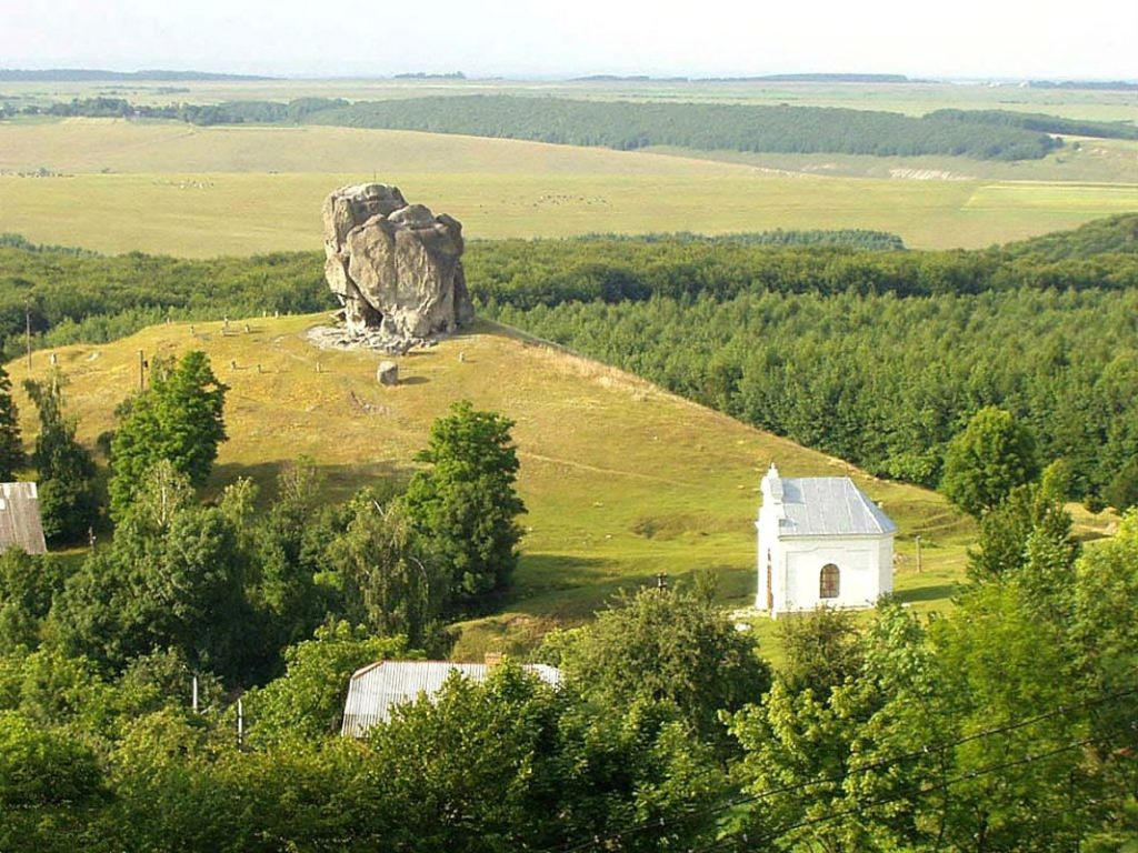 Село Підкамінь, Львівська область