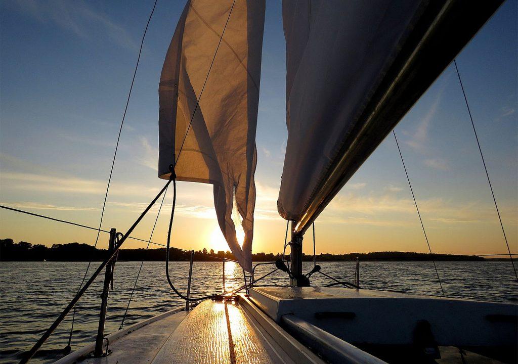 прогулянки на яхті