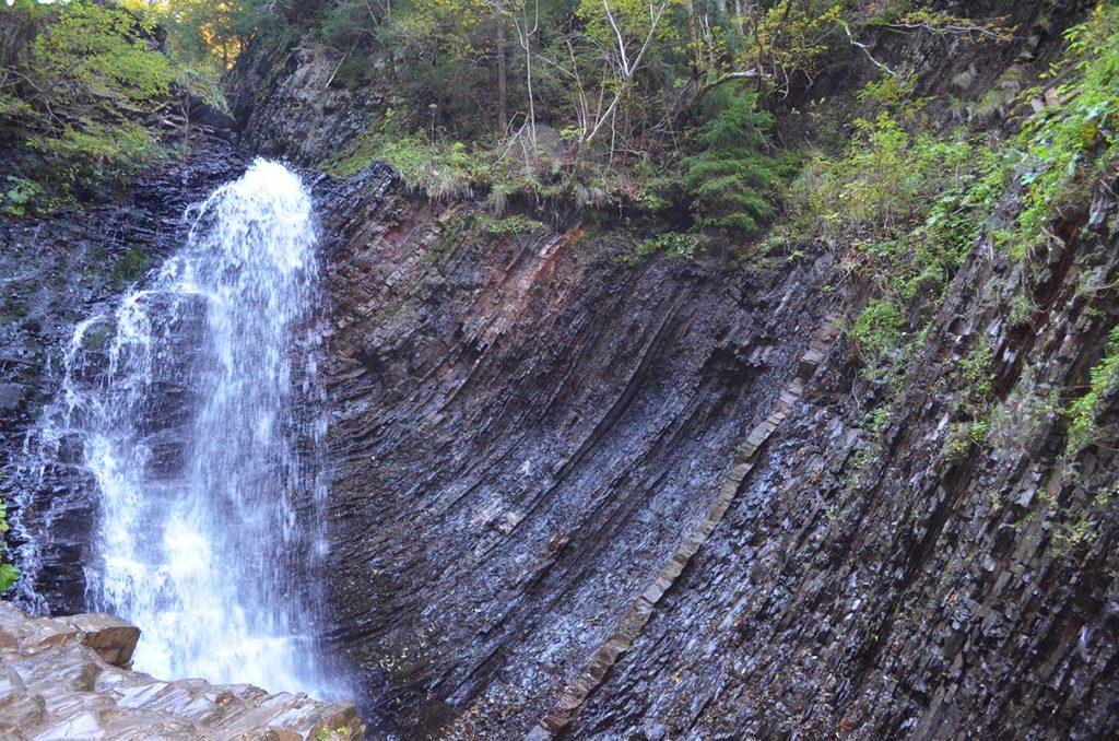 Водопад Женецкий Гук в Татарове