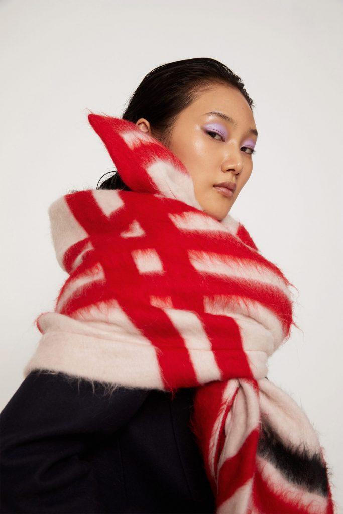 Простий спосіб зав'язати великий теплий і щільний вовняний шарф