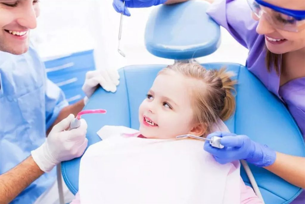 Гигиена зубов рекомендована для детей с 3 лет