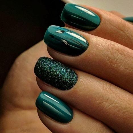 Ультрамариновий зелений манікюр