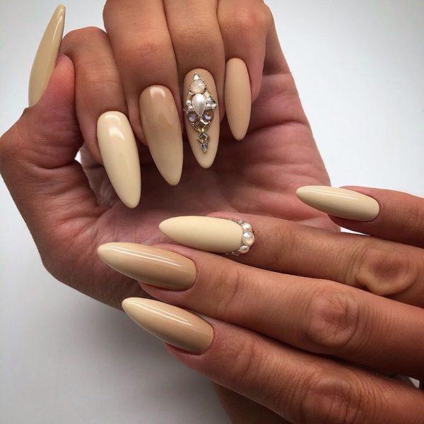Пісочний манікюр на довгі нігті