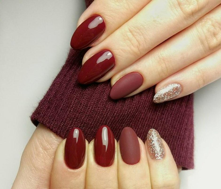 Шляхетний відтінок червоно-коричневого – поєднання глянцевого, матового і блискучого гель-лаків