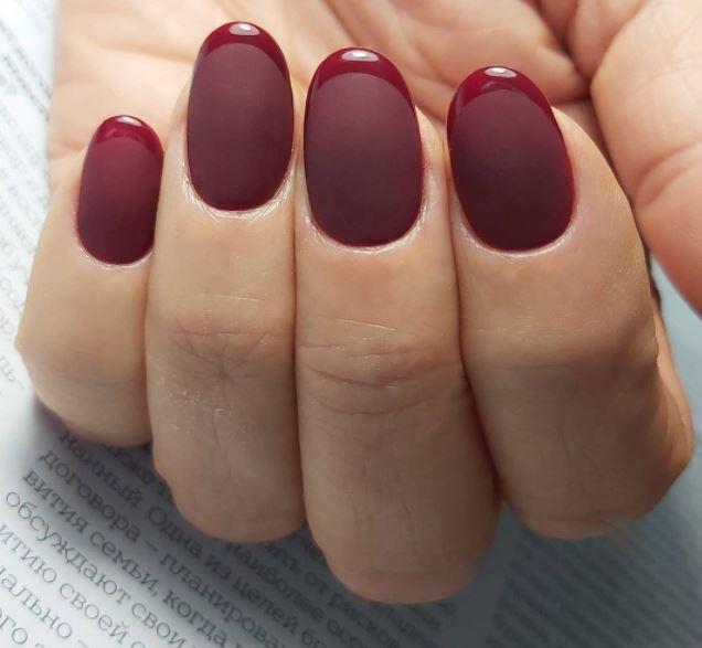 Глянцевий френч на матових нігтях – оригінальна і стильна ідея