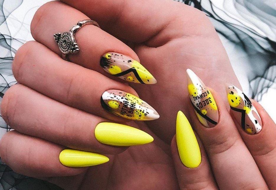 Написи на нігтях