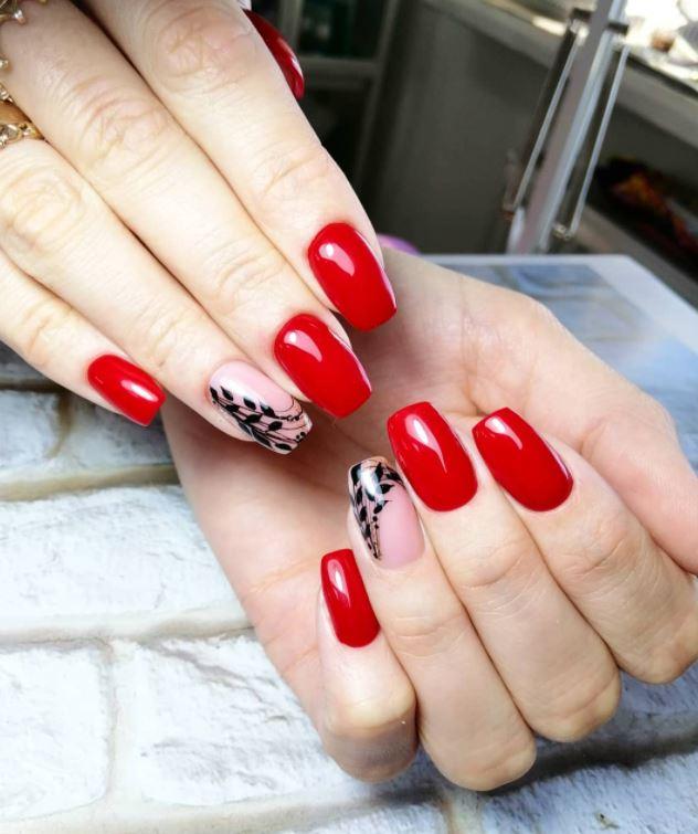Гілочка на нігтях