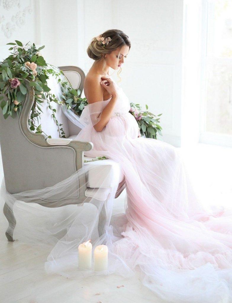 вагітна у сукні