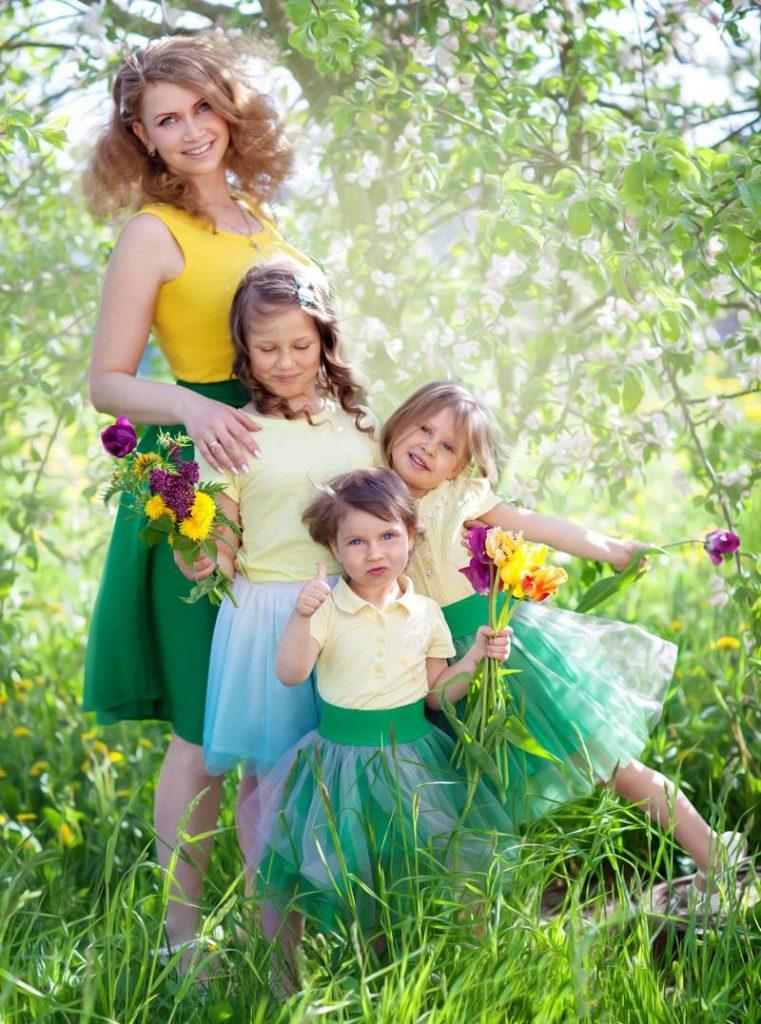 мати з доньками