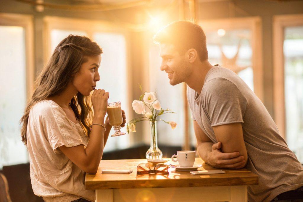 закохані у кафе