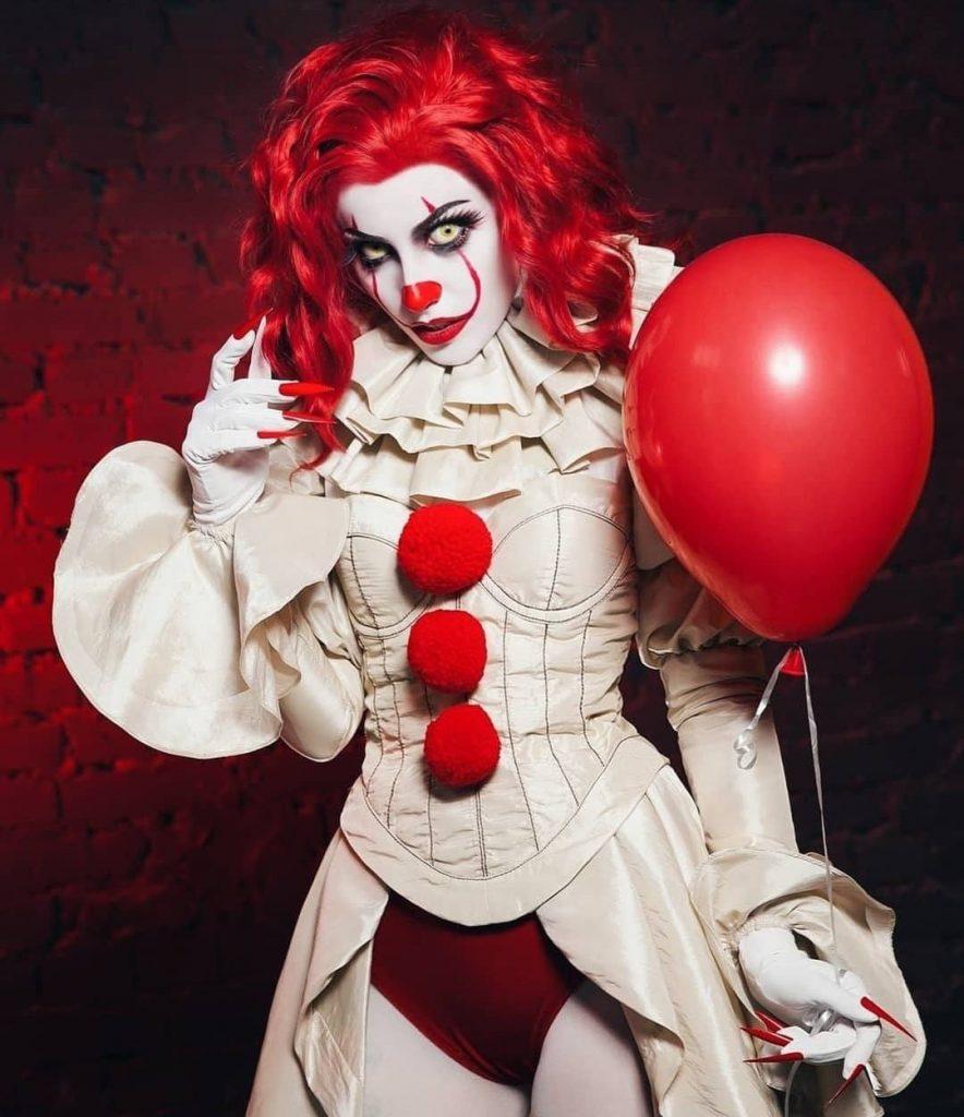 клоун пеннівайз дівчина