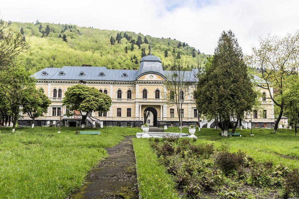 Палац баронів Гределей у Сколе біля Славського