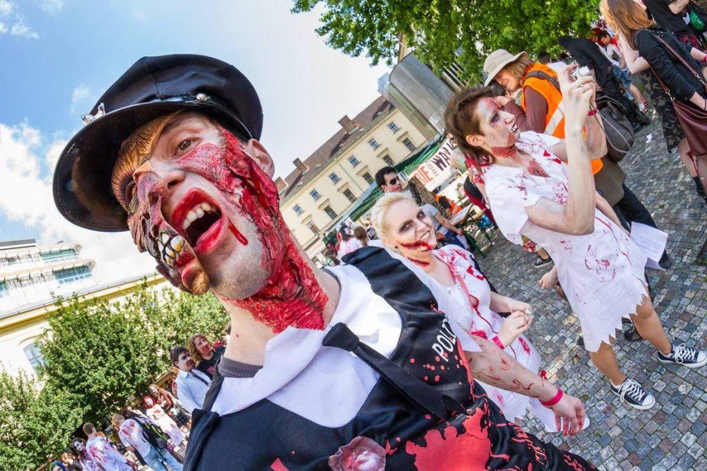 парад зомбі