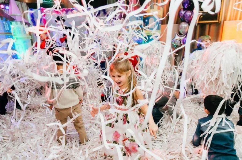 Яскраві дитячі емоції на Паперовому шоу