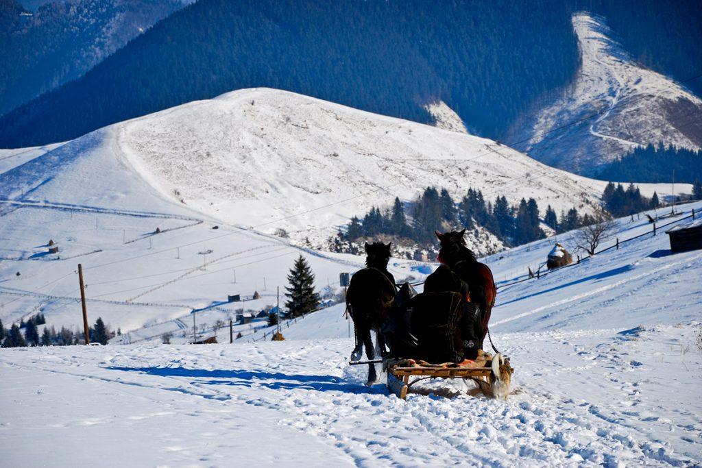 Снігові схили Верховини, Карпати, Івано-Франківська область