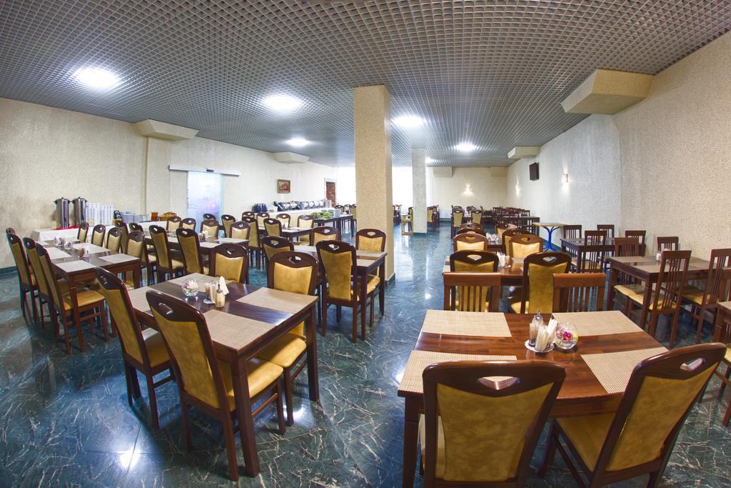 Ресторан в готелі «Трускавець 365»