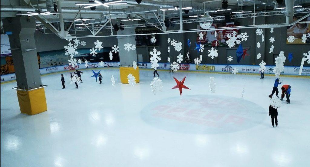 Каток FIFTY Ice Arena в ТРЦ «Космополіт»