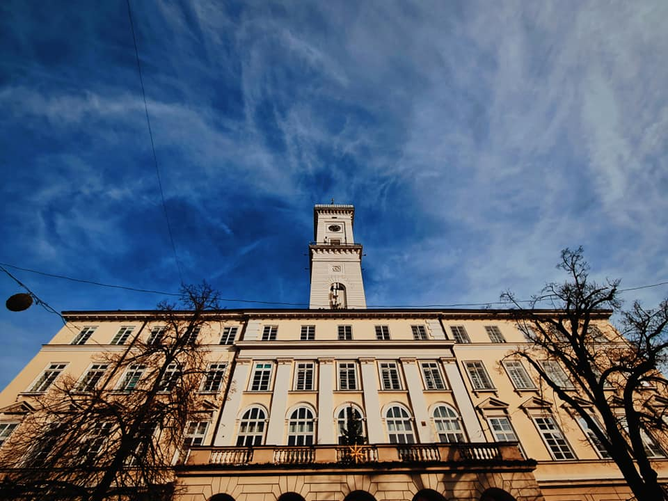 Найвища в Україні Львівська міська ратуша на площі Ринок
