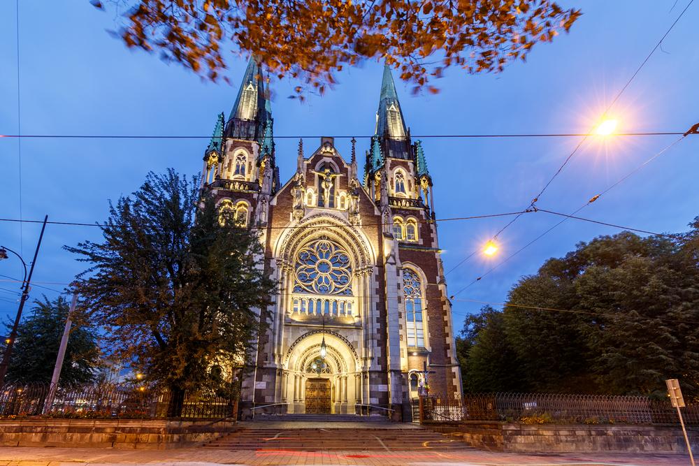Пам'ятки Львова: Костел Свв. Ольгі і Єлизавети біля вокзалу