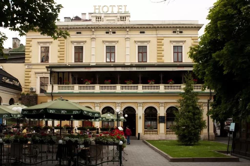 Готель «Відень» у центрі Львова