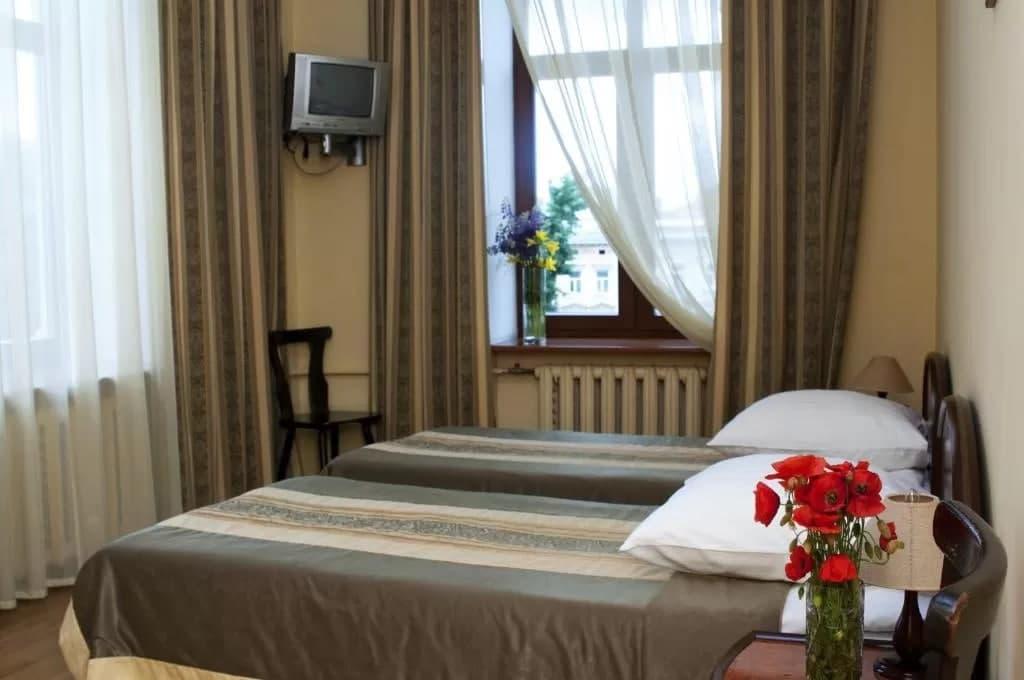 Готель «Відень» в історичній частині Львова