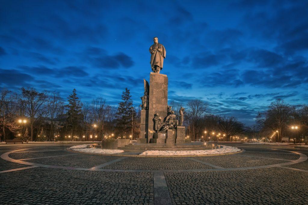 Памятник Шевченко в Харькове считается одним из самых красивых в Украине
