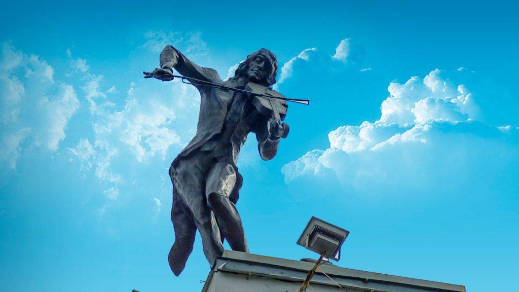 Скрипач на крыше – любимый харьковчанами памятник