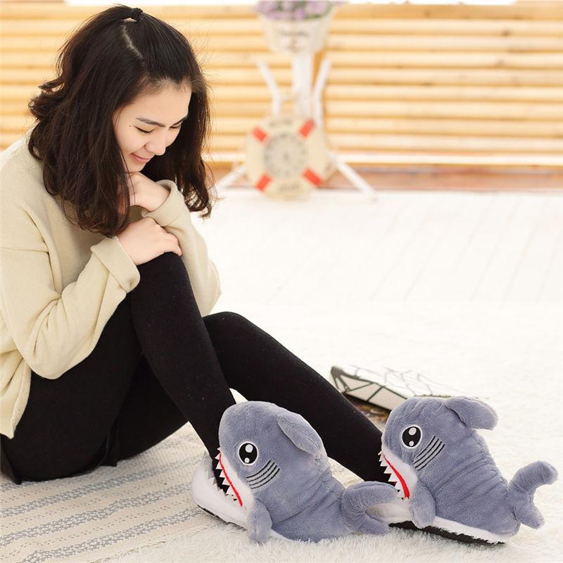 Прикольні тапочки-кігурумі оцінить дівчина з почуттям гумору, яка любить тепло і комфорт