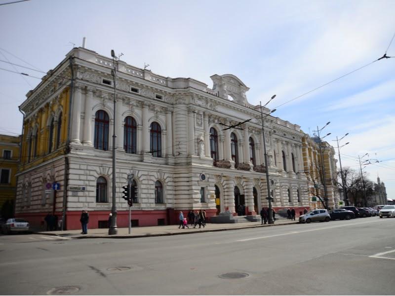 Здание театра имени Шевченко
