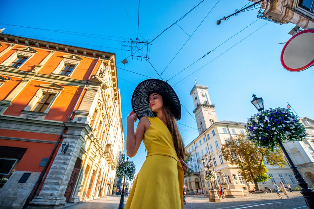 Львівська ратуша потрапила в кадр? Фото можна вважати вдалим, особливо якщо воно було зроблено в ясний сонячний день!