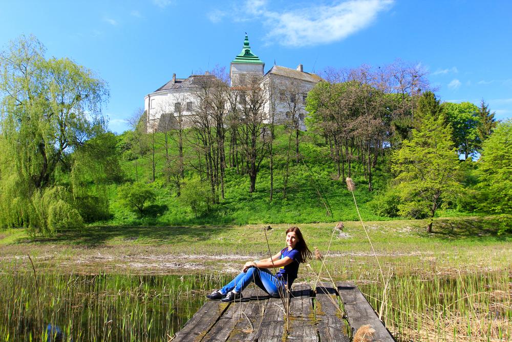 З території Олеського замку без красивих фото ви не поїдете :)