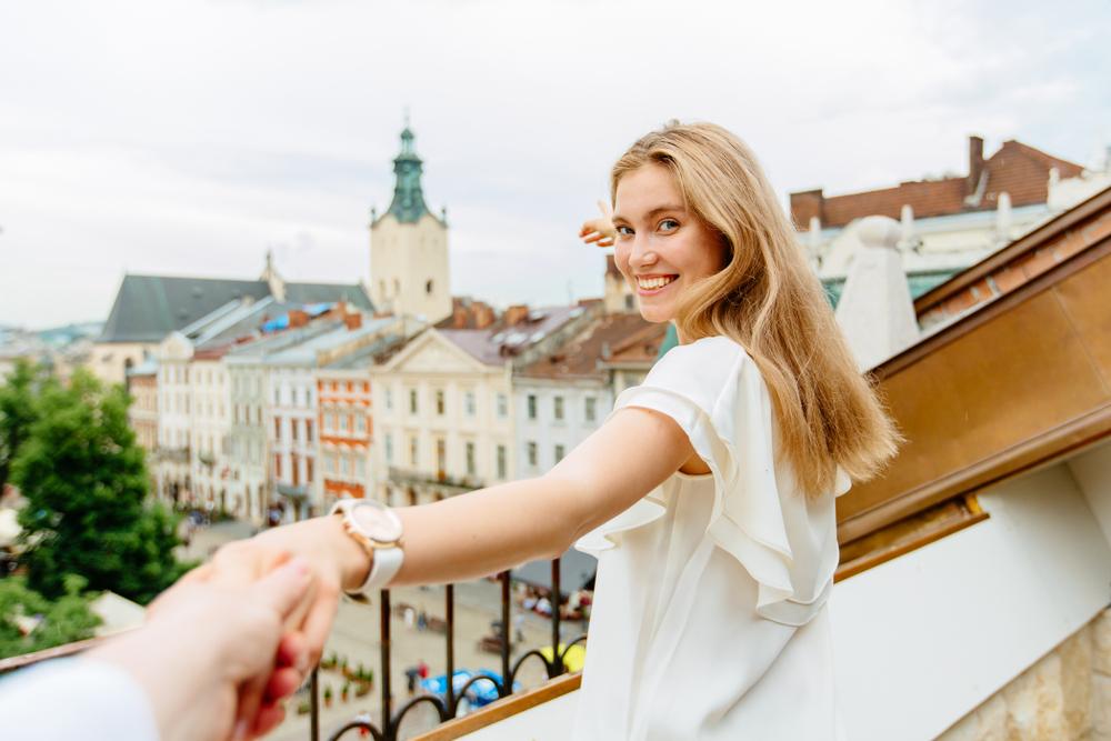 Площа Ринок – ідеальне тло для красивих фотографій в романтичному стилі