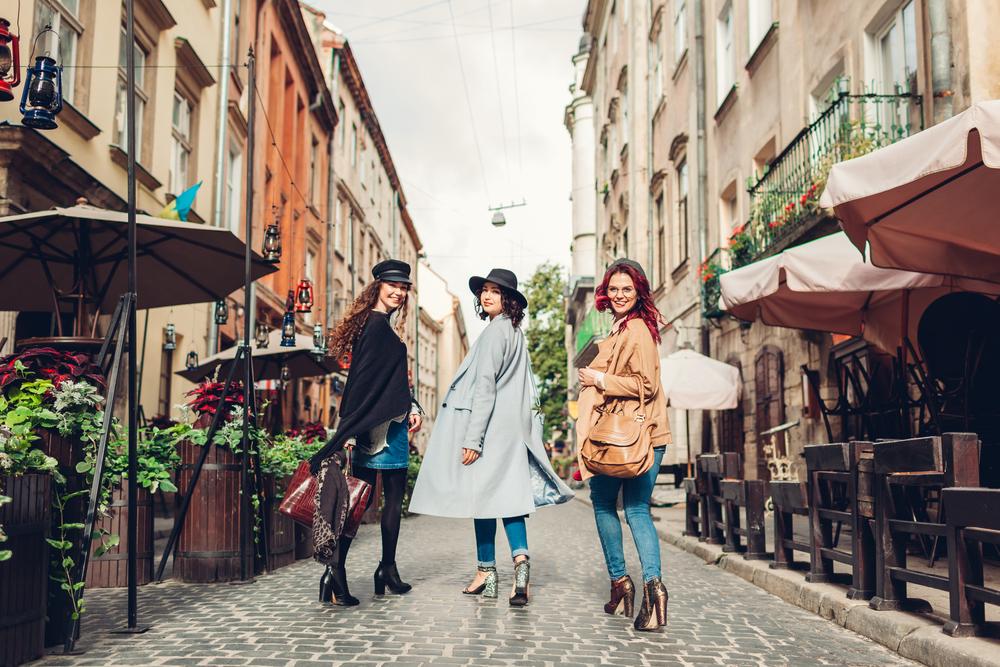 До площі Ринок прилягає чимало симпатичних вуличок, на яких можна зробити купу крутих фото