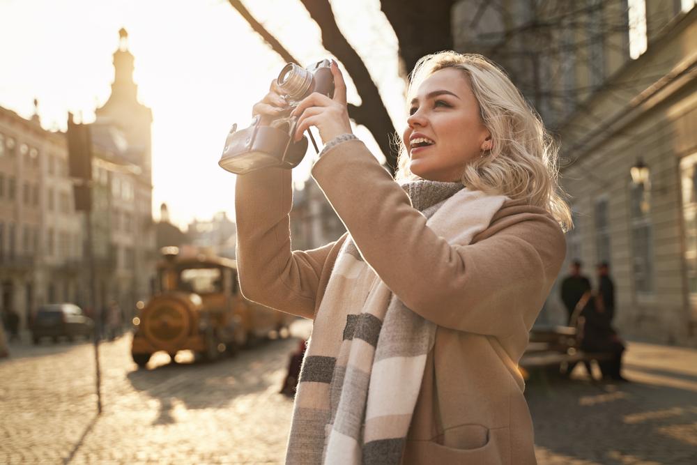 Площа Ринок, як і весь старовинний центр Львова, немов створений для теплих осінніх фотографій