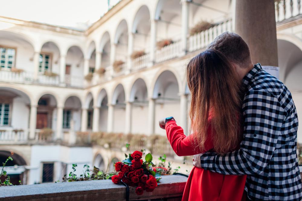 Велич Італійського дворику надихає на постановочні фотосесії