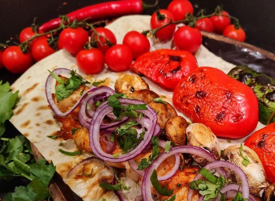 М'ясо та овочі – замовляйте доставку їжі з грузинського ресторану «Хванчкара»