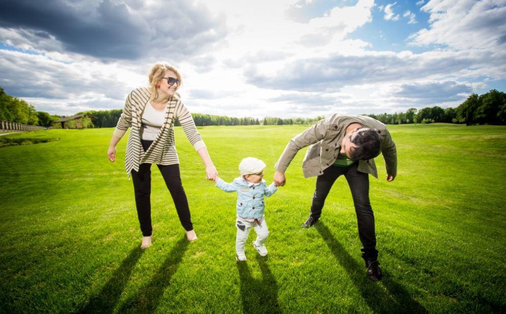 Сімейна фотосесія: гольф поле в парку Межигір'я