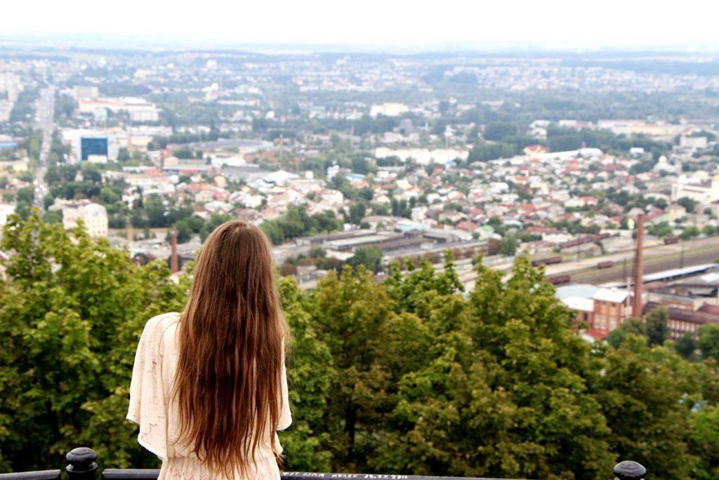 Чудові краєвиди, що відкриваються з висоти, будуть чарівно виглядати на ваших фото