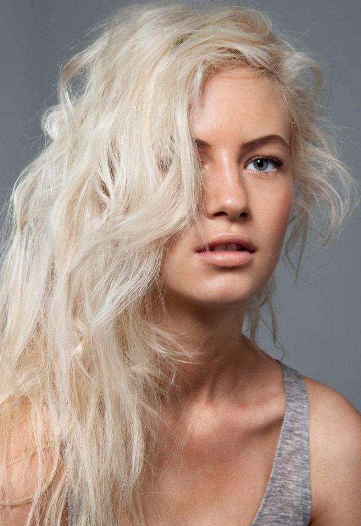 Платиновий блонд як і раніше не виходить з моди