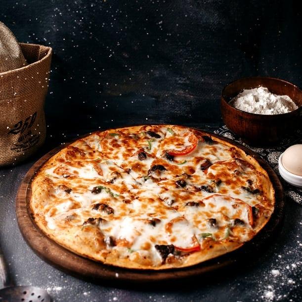 Гаряча, свіжа, ситна – це все про піцу в «Піца тут»