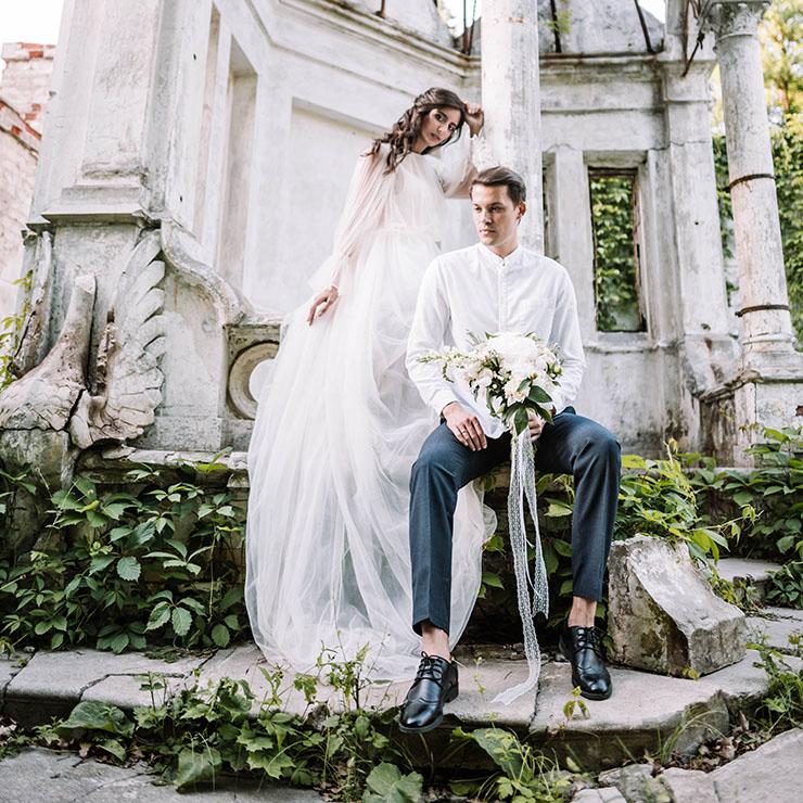 Весільна фотосесія в Шарівському замку