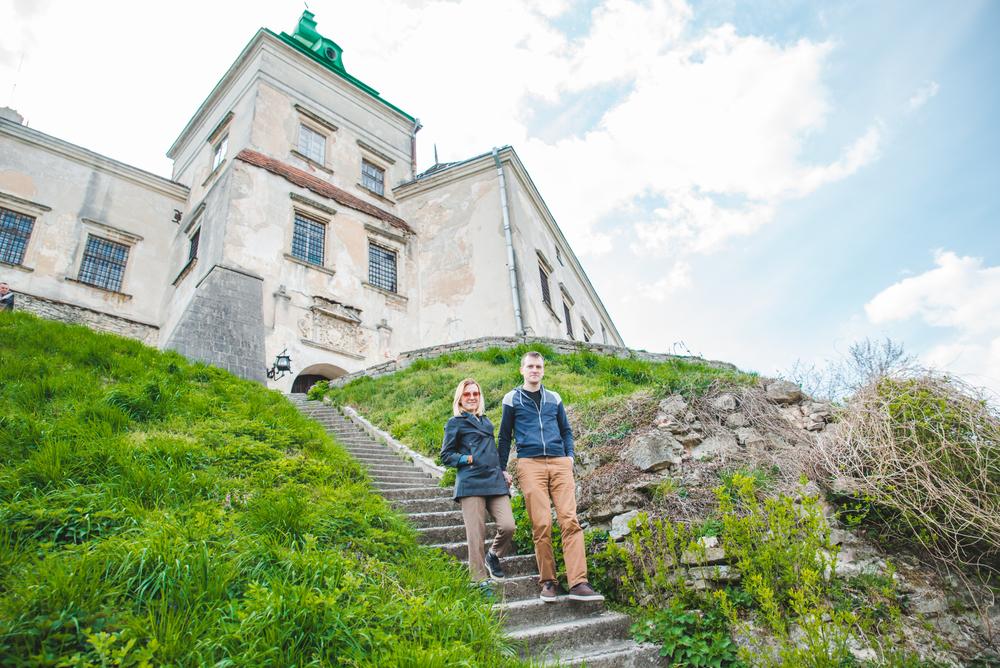 Сходинки, що ведуть до замку, можуть стати крутою локацією для фото