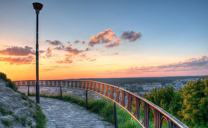 Львів як на долоні, а приголомшливі вечори додадуть унікальності вашим світлинам