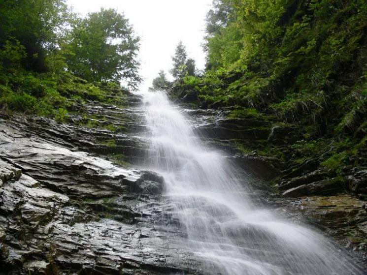 Лужківський – один з найвищих водоспадів Прикарпаття